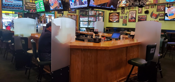 Bar Barriers for Covid 19 Quaker Steak & Lube