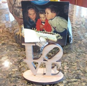 0003698_love-block-wooden-picture-holder-4-x-4-with-metal-heart-at-4-12-high.jpeg