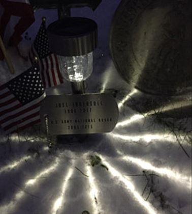 0003826_memorial-military-plaque-personalized-and-solar-light-stainless-steel.jpeg